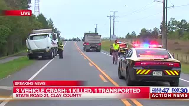 Three-vehicle crash kills 1, injures another in Clay County
