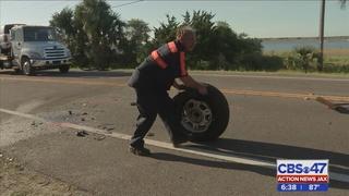 Jacksonville man killed in a head-on crash on Heckscher Drive