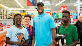 Jaguars Allen Robinson helps 30 children get ready for back to school
