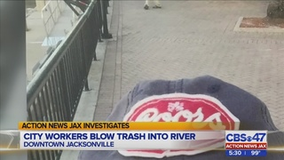 Jacksonville man says selfie shows city worker polluting St. Johns River