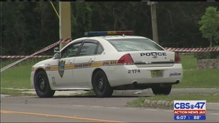2 teens and child robbed at gun point,gunpoint; JSO informs public more…