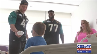 Jacksonville Jaguars visit kids at Wolfson Children