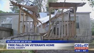 Veteran, family displaced after Hurricane Matthew damages Jacksonville home