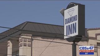 Jacksonville motel evacuated after maintenance worker finds apparent meth lab