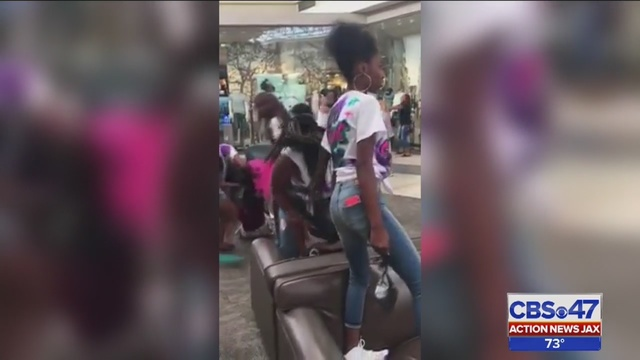 Orange Park Mall >> Five Arrested In Orange Park Mall Brawl Wjax Tv