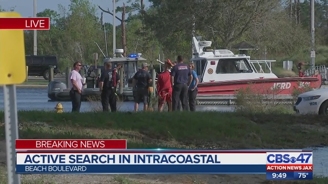 Witness Car Drives Into Intracoastal Waterway In Jacksonville