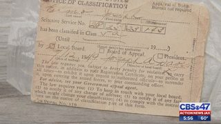 Jacksonville-area woman finds draft card from 1949 in Stephen King book