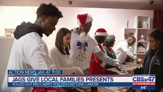 Jags give local families presents