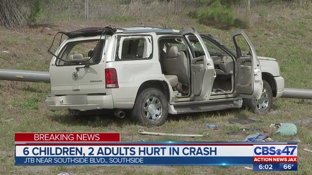 Cadillac Evening News >> Six Kids Hurt When Cadillac Escalade Flips On Jtb Takes Out Pole