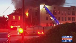 Family helps warn others escape apartment fire
