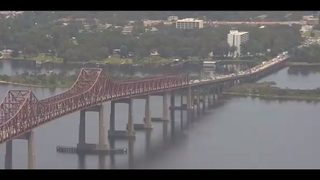JFRD: Approximately 5 cars involved in crash on Mathews Bridge in Jacksonville
