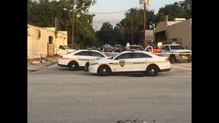 Witness: Body found on road in Jacksonville
