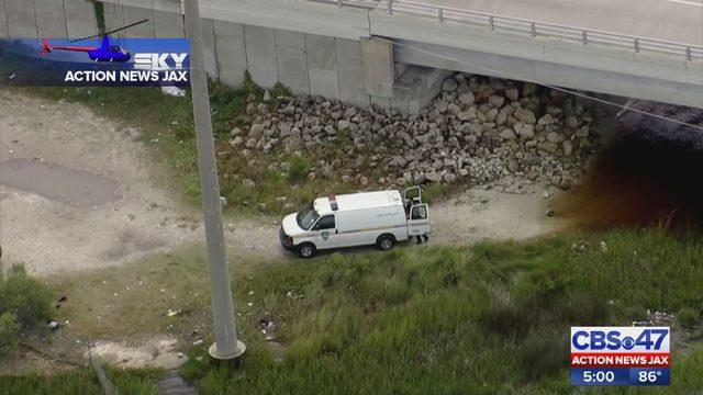 Police identify womans body found under West Side bridge