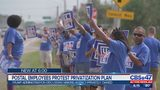 Postal employees protest privatization plan