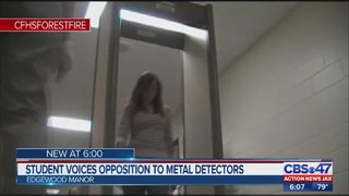 Student voices opposition to metal detectors