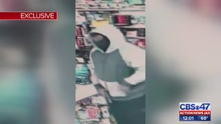 Man accused of robbing store at gunpoint