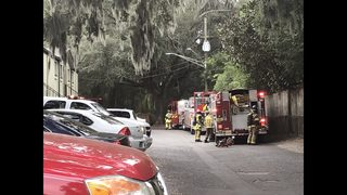 Two adults, four children rescued after Atlantic Boulevard apartment fire