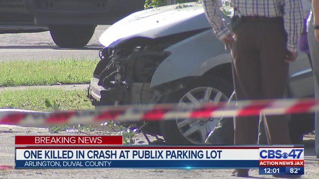 DEADLY JACKSONVILLE CRASH: Fatal crash near Publix causes