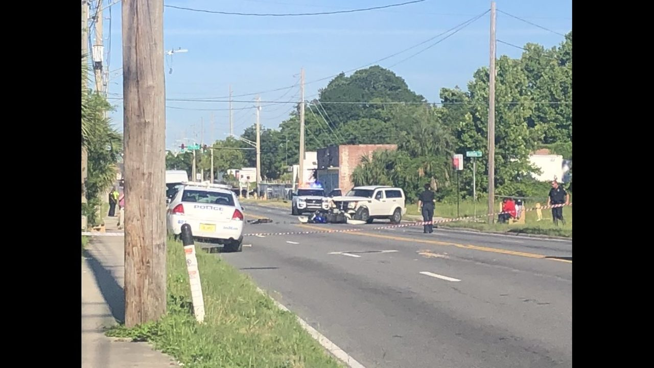 JSO: Motorcyclist badly hurt after crash on Beaver Street | WJAX-TV
