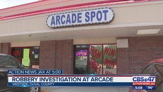 Jacksonville internet cafe robbed at gunpoint